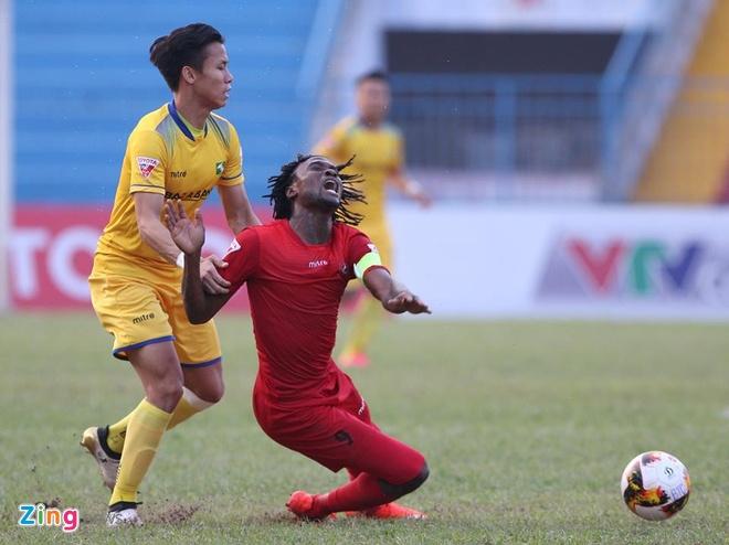 CLB Hai Phong 1-1 SLNA: Chu nha lo co hoi chiem ngoi dau hinh anh 20