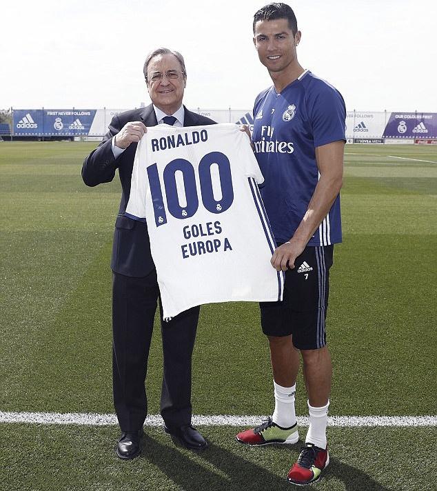 Ronaldo duoc ton vinh anh 2