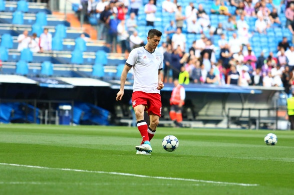 Ronaldo lap hat-trick, Real danh bai Bayern o hiep phu hinh anh 11