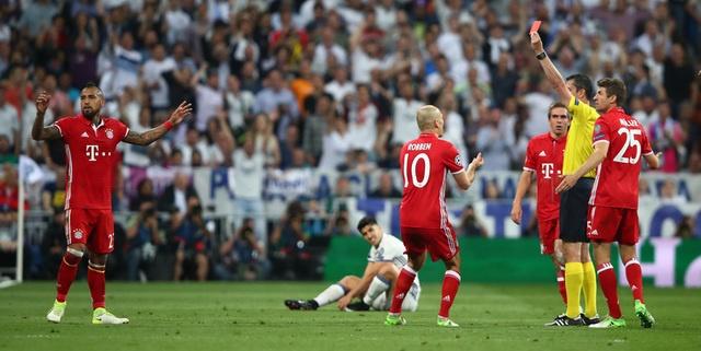 Ronaldo lap hat-trick, Real danh bai Bayern o hiep phu hinh anh 23