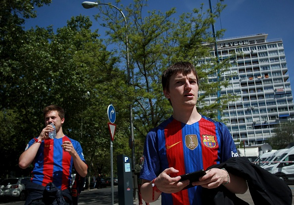 Messi lap cu dup, Barca thang kich tinh Real 3-2 hinh anh 14