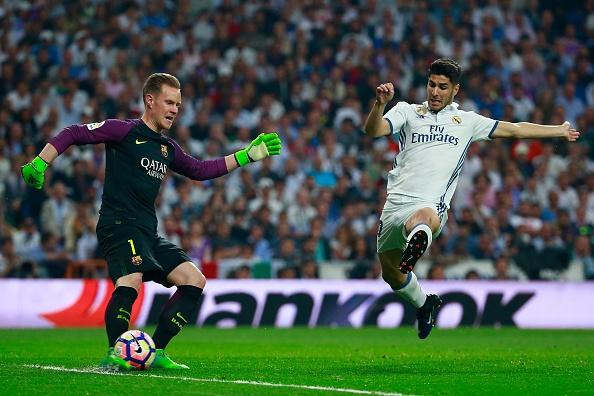 Messi lap cu dup, Barca thang kich tinh Real 3-2 hinh anh 1