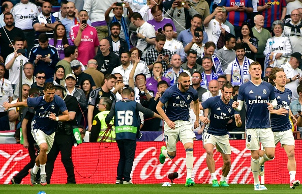Messi lap cu dup, Barca thang kich tinh Real 3-2 hinh anh 17