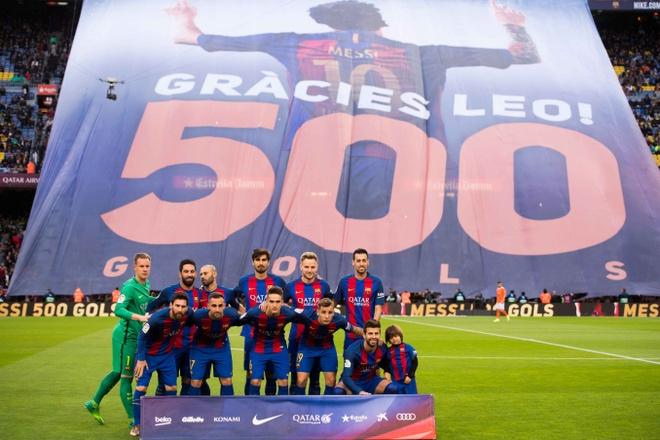 Messi lap cu dup, fan Barca tai hien man an mung dac biet cua Leo hinh anh 1