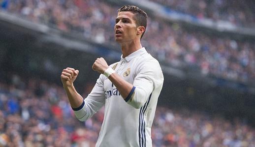 Real vs Valencia (2-1): Ronaldo ghi ban va sut hong 11 m hinh anh