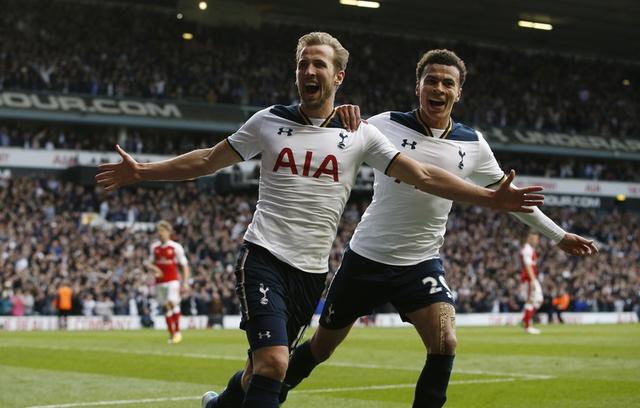 Ha guc Arsenal, Tottenham tiep tuc bam duoi Chelsea hinh anh 26