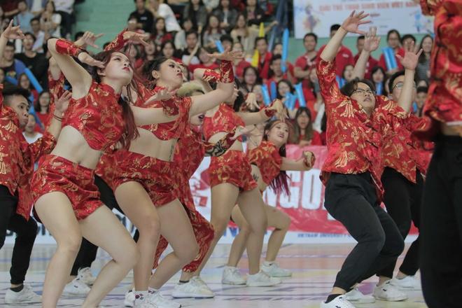 Nha vo dich Dance Battle DH Ngoai Thuong: Gan ket la thanh cong hinh anh 4