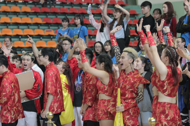 Nha vo dich Dance Battle DH Ngoai Thuong: Gan ket la thanh cong hinh anh 5
