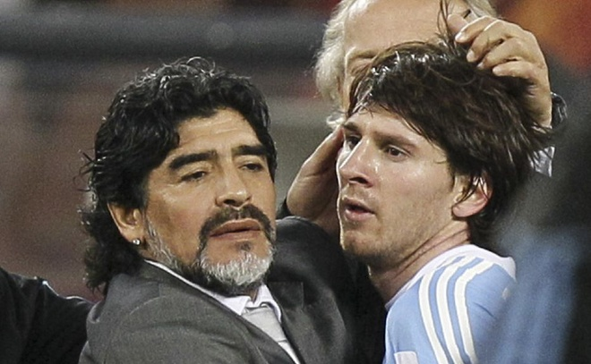 Maradona khong hai long khi Messi bi phat nhe hinh anh 1
