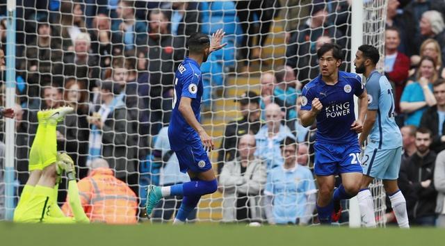 Man City vs Leicester (2-1): Mahrez bi tuoc ban thang phat den hinh anh 22