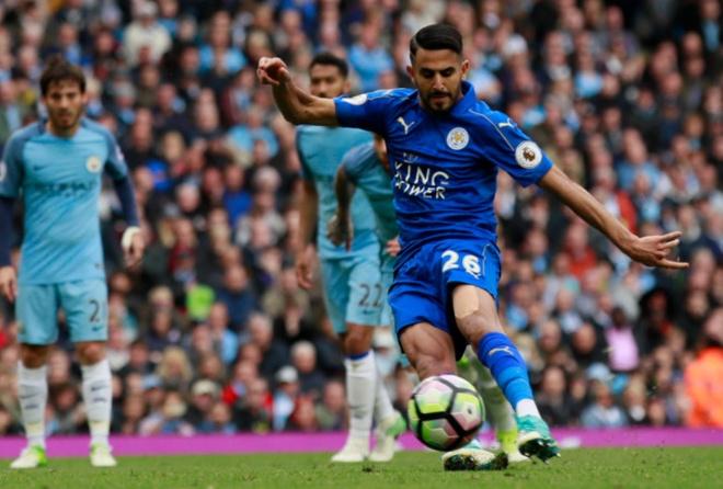 Man City vs Leicester (2-1): Mahrez bi tuoc ban thang phat den hinh anh 24
