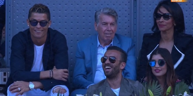 Ronaldo banh bao co vu Nadal danh bai Djokovic hinh anh 11