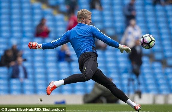 Man City vs Leicester (2-1): Mahrez bi tuoc ban thang phat den hinh anh 12