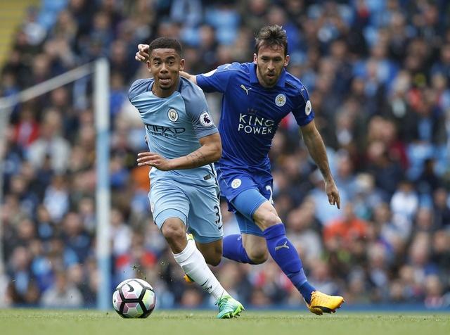 Man City vs Leicester (2-1): Mahrez bi tuoc ban thang phat den hinh anh 19