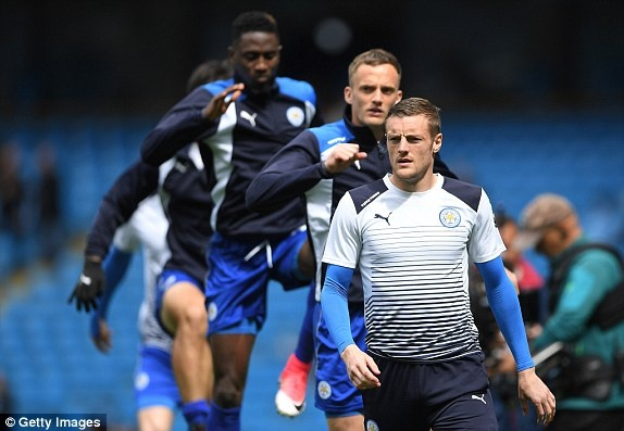 Man City vs Leicester (2-1): Mahrez bi tuoc ban thang phat den hinh anh 13
