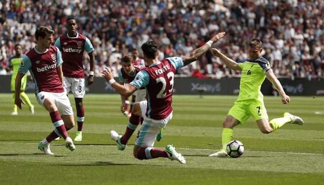 Thang dam West Ham, Liverpool tien sat ve Champions League hinh anh 15