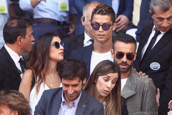 Ronaldo vui ve, hai huoc du khan dai chien Nadal vs Djokovic hinh anh 2
