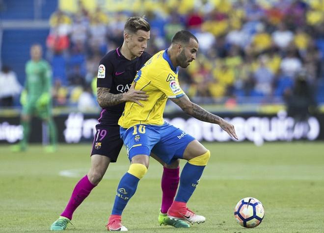 Neymar lap hat-trick, Barca van xep tren Real hinh anh 8