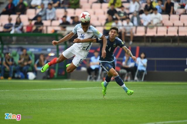 U20 Argentina vs U20 Anh (0-3): Tam Su khoi dau hoan hao hinh anh 32
