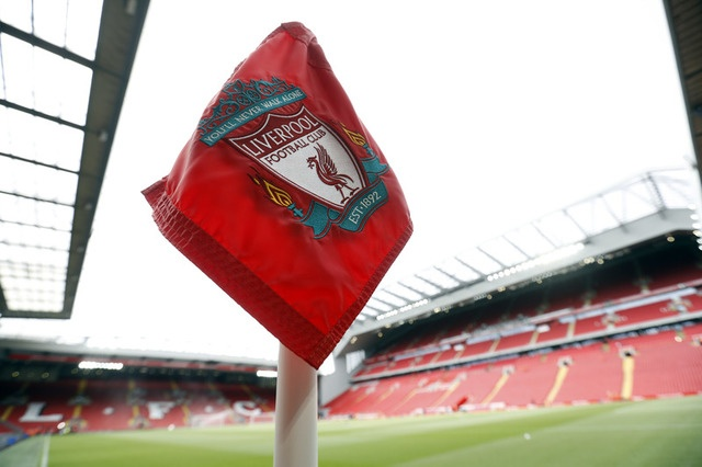 Liverpool,  Arsenal tranh ve du Champions Leagu anh 5
