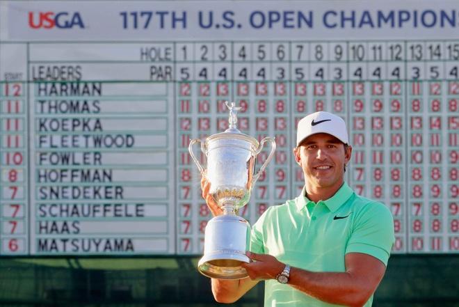 Video Koepka xuat sac dang quang US Open 2017 hinh anh