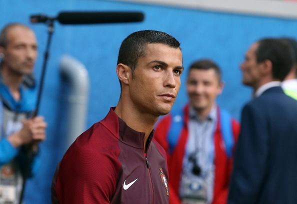 Ronaldo lap cong, Bo Dao Nha ha guc chu nha Nga hinh anh 16