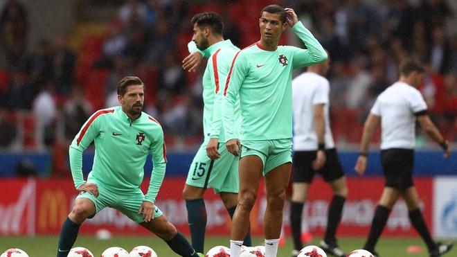 Ronaldo lap cong, Bo Dao Nha ha guc chu nha Nga hinh anh 20