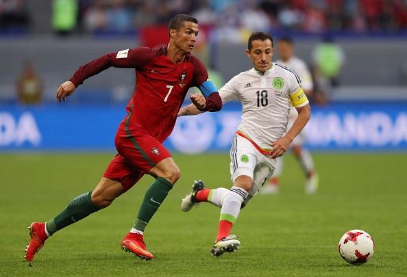 Ronaldo lap cong, Bo Dao Nha ha guc chu nha Nga hinh anh 4