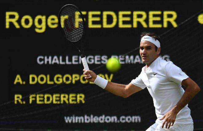 Su trung hop ky la giua Federer va Djokovic o tran ra quan hinh anh