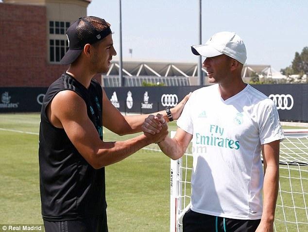 Morata mien cuong chia tay HLV Zidane o buoi tap cuoi hinh anh 3
