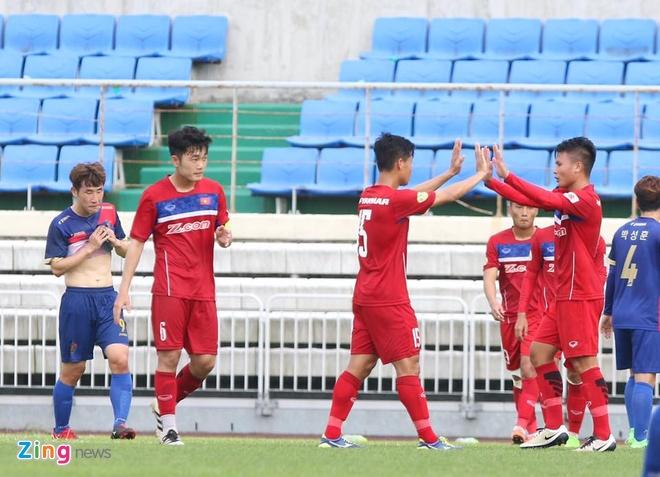 Busan FC vs U22 Viet Nam (1-6): Cong Phuong lap cu dup hinh anh 10