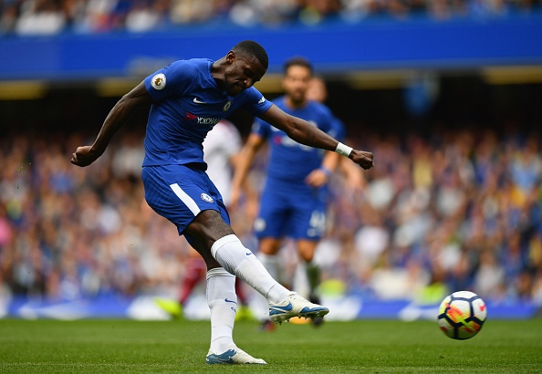 Chelsea vs Burnley (2-3): Doi chu nha nhan 2 the do hinh anh 18