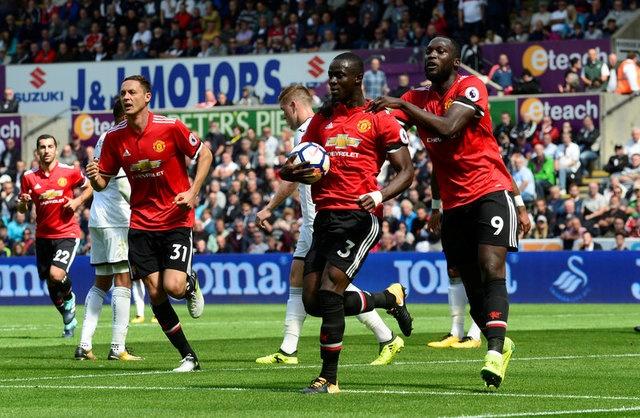 Swansea vs MU (0-4): Lukaku, Pogba toa sang hinh anh 19