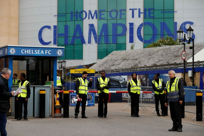 Chelsea 0-0 Arsenal: Doi khach an mung hut, David Luiz nhan the do hinh anh 7