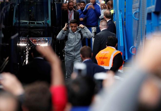 Chelsea 0-0 Arsenal: Doi khach an mung hut, David Luiz nhan the do hinh anh 11