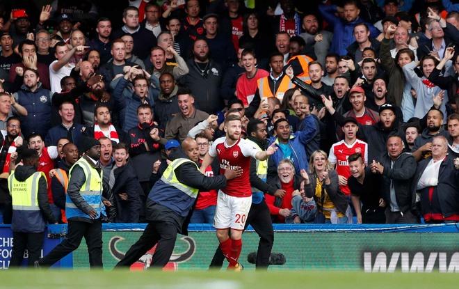 Chelsea 0-0 Arsenal: Doi khach an mung hut, David Luiz nhan the do hinh anh 26