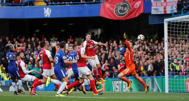 Chelsea 0-0 Arsenal: Doi khach an mung hut, David Luiz nhan the do hinh anh 25