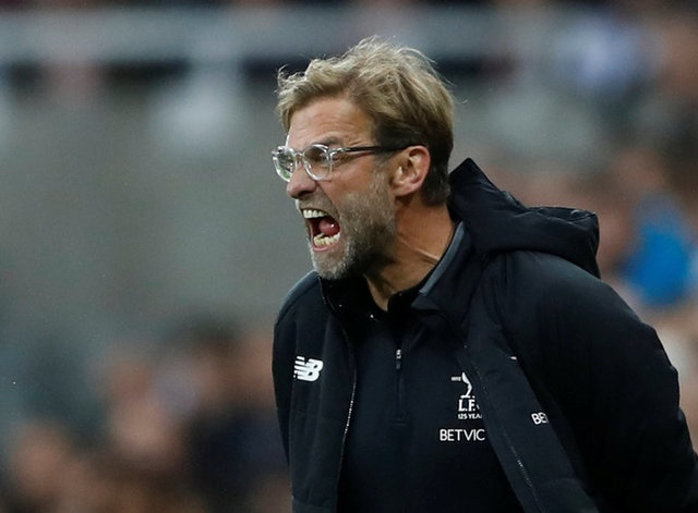 Klopp noi gian khi Liverpool tiep tuc gay that vong hinh anh