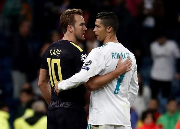 Harry Kane vui mung nhan 'mon qua' tu Ronaldo hinh anh 1
