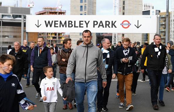 Thang dam Liverpool, Tottenham can bang diem so voi MU hinh anh 12