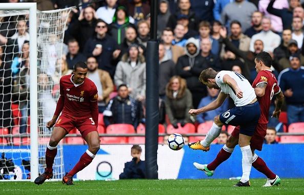 Thang dam Liverpool, Tottenham can bang diem so voi MU hinh anh 24