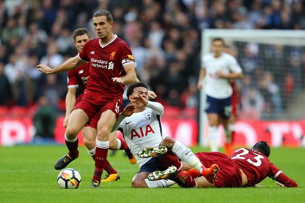 Thang dam Liverpool, Tottenham can bang diem so voi MU hinh anh 29