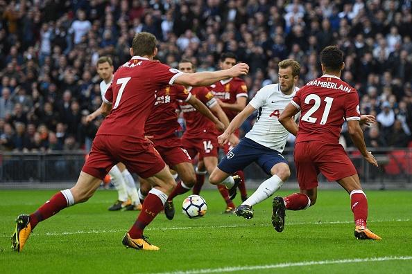 Thang dam Liverpool, Tottenham can bang diem so voi MU hinh anh 32