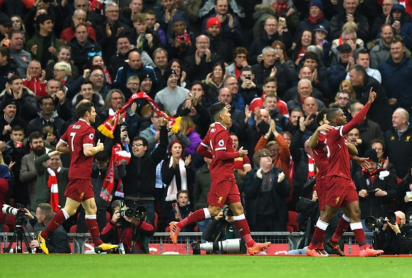 Liverpool 3-0 Huddersfield: The Kop san bang ky luc buon hinh anh 10