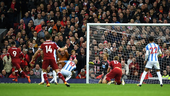Liverpool 3-0 Huddersfield: The Kop san bang ky luc buon hinh anh 12