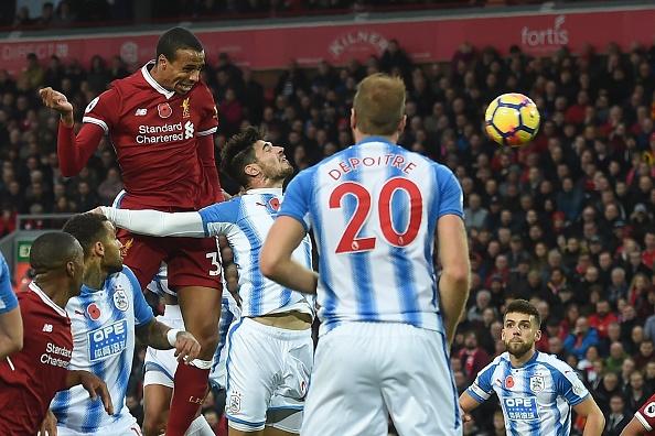 Liverpool 3-0 Huddersfield: The Kop san bang ky luc buon hinh anh 14