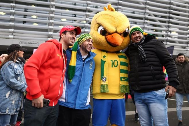 Nhat Ban 1-3 Brazil: Neymar ghi ban va da hong phat den hinh anh 6