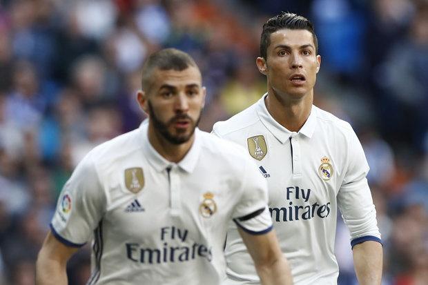 Benzenma: 'Ronaldo choi ich ky hon toi' hinh anh 1
