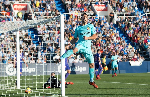Suarez lap cu dup, Barca tam bo xa Real 11 diem hinh anh 9