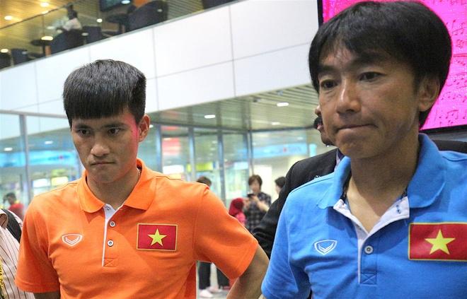 CLB TP.HCM 2-4 Quang Ninh: Man an mung nhu treu nguoi Cong Vinh hinh anh 4